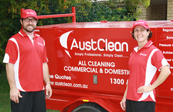 Mooloolaba carpet cleaning team from Austclean