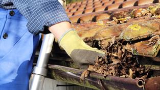 Gutter cleaning services Queensland