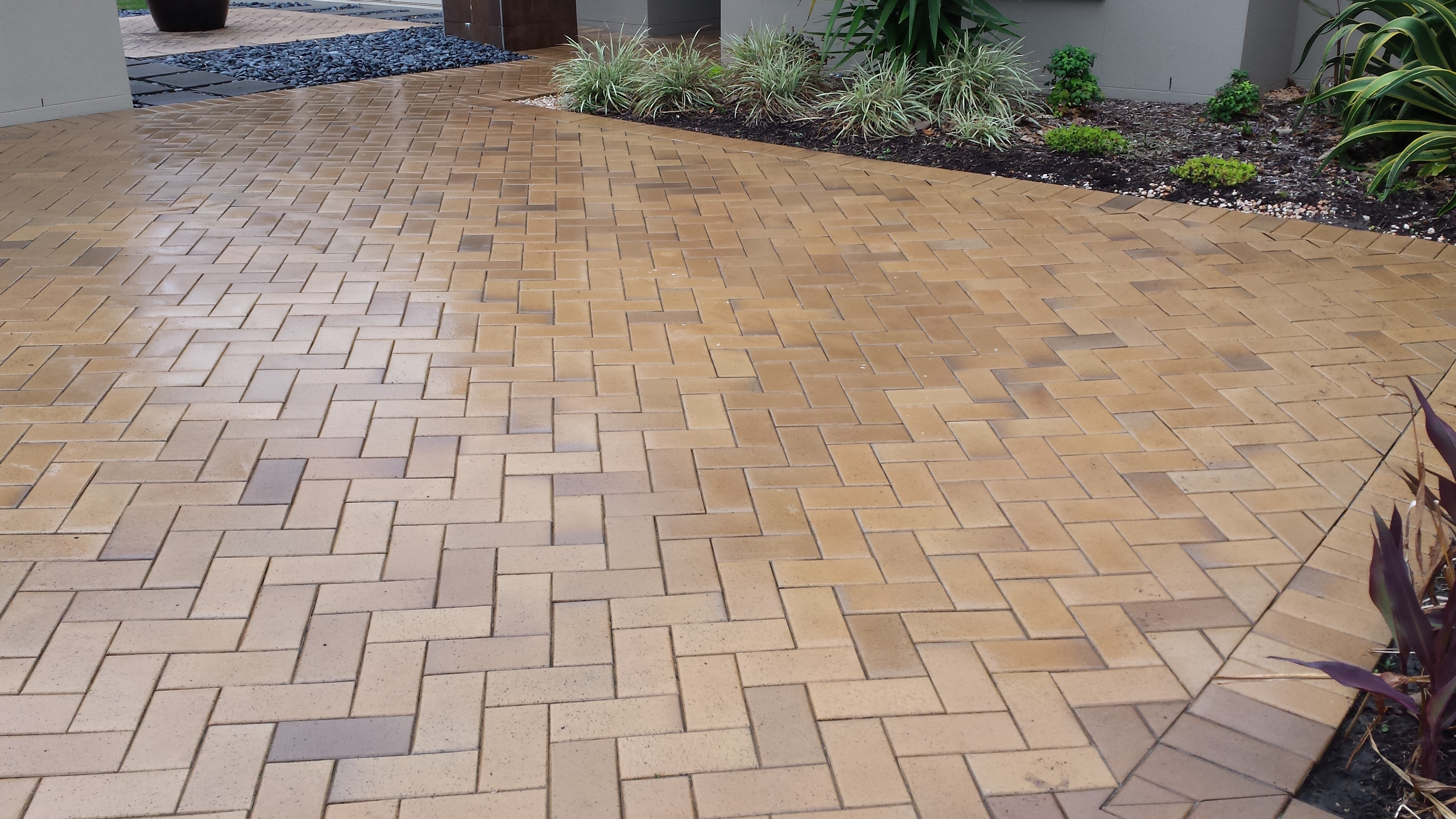 Queensland paving cleaning services